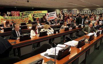 A sessão foi marcada por manifestações contra e a favor de aspectos do PNE. - VIOLA JR/CÂMARA DOS DEPUTADOS