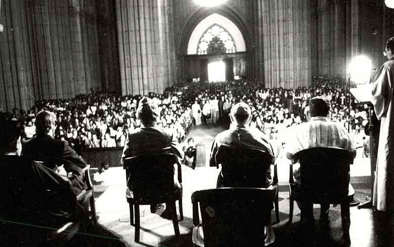 Herzog foi encontrado morto em cela do DOI-Codi seis dias antes deste culto ecumênico em sua homenagem, na Sé